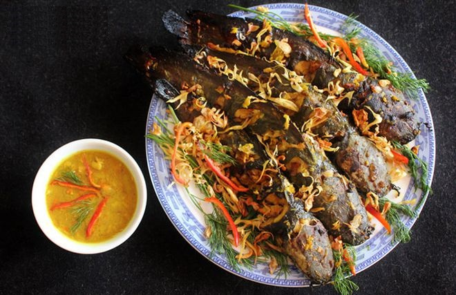 Grilled Catfish With Galangal and Fermented Rice