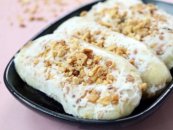 Vietnamese icecream with peanuts