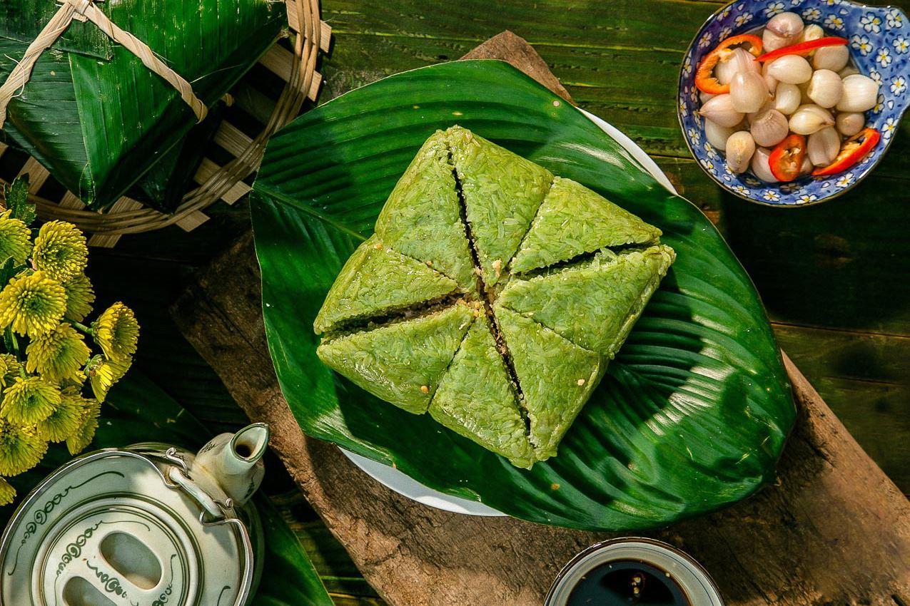 banh chung and la dong leaves