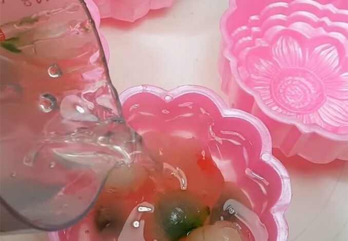 pouring agar into molds