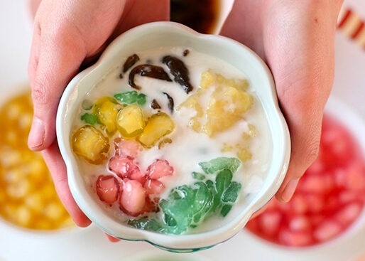 suong sa jelly with diced water chestnuts