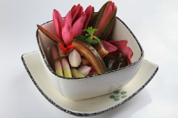 water lilies cooked with eel