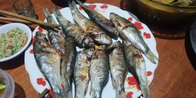 Grilled Onychostoma fish with chili salt