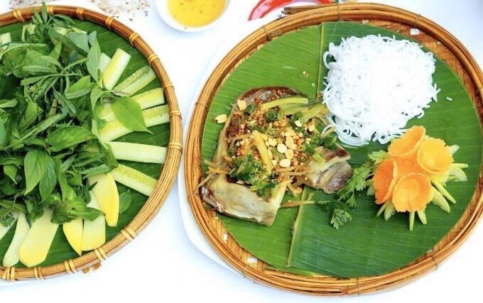 Pale-edged stingray in spring onion lard in a Vietnamese restaurant