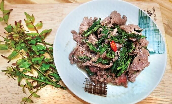 Stir-fried Water Buffalo Meat with Shiny-Leaf Pricklyash Leaves