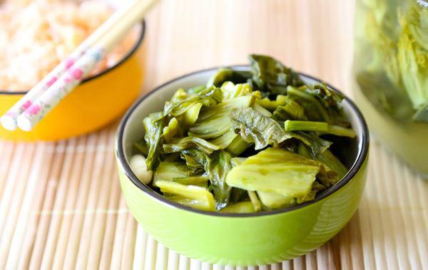 Vietnamese pickled mustard greens