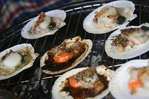 grilled Asian moon scallops