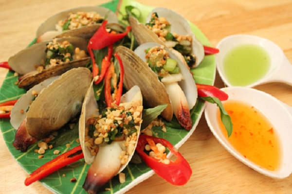 grilled snout otter clams