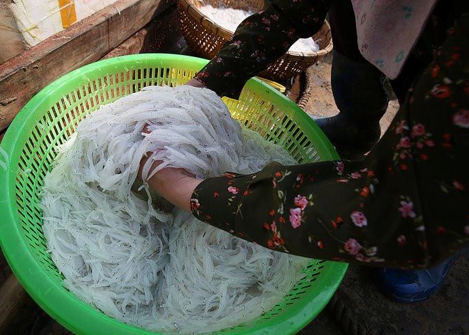 noodlefish in a basket