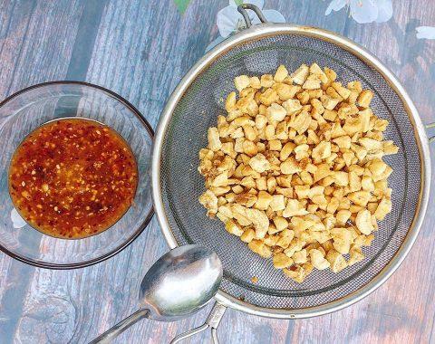 pork crackling and garlic chili fish sauce
