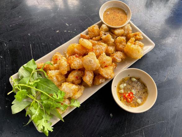 pork cracklings in garlic-chili fish sauce