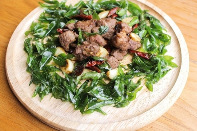 sauteed diced lamb with curry leaves