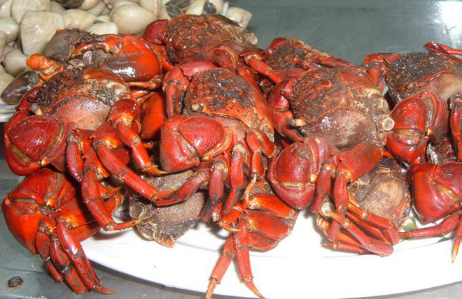 Boiled sad-faced crabs (Neosarmatium smithi)