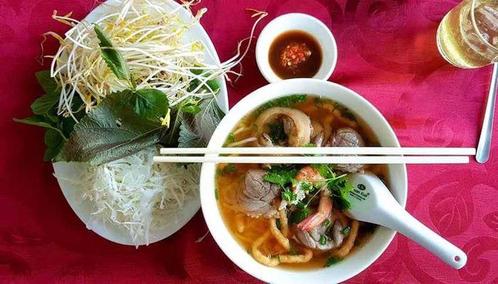 Bun suong noodle soup in Tra Vinh
