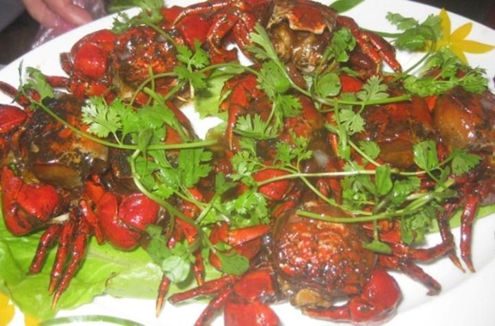 Pan-roasted sad-faced crabs in tamarind