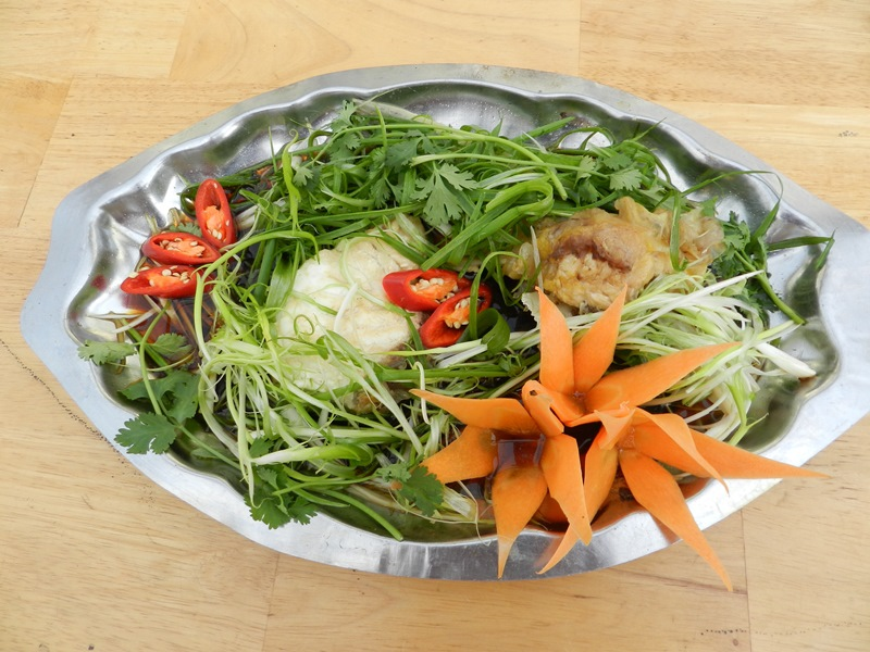Probarbus jullieni - Steamed Jullien's golden carp with soy sauce