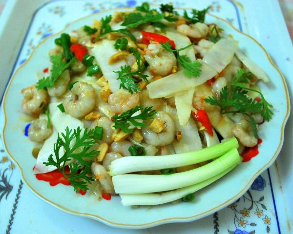 Tr'din heart of palm salad with shrimps