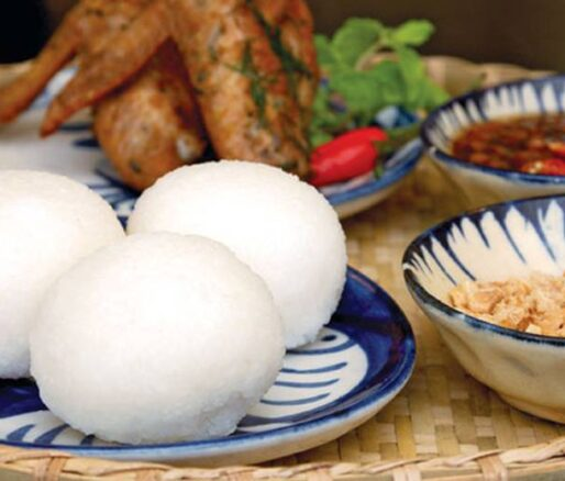 Vietnamese rice balls with sesame salt