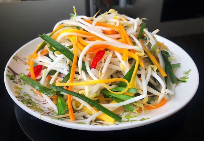 Vietnamese sour bean sprouts