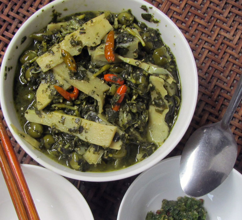cassava leaves soup with pea eggplant