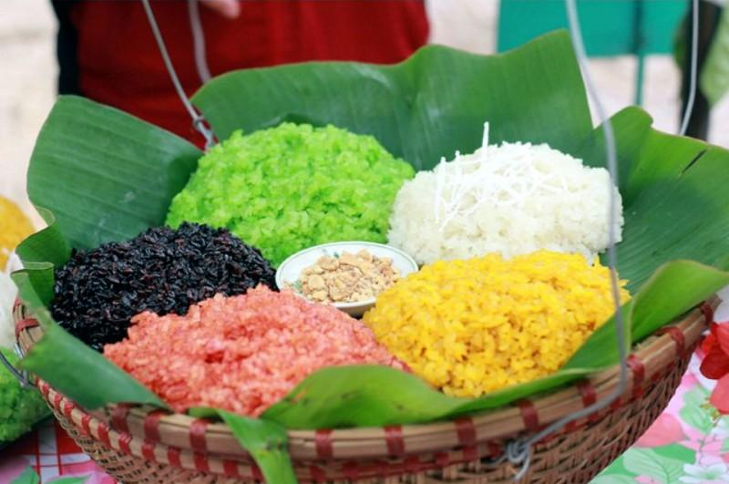 colorful sticky rice from natural dye