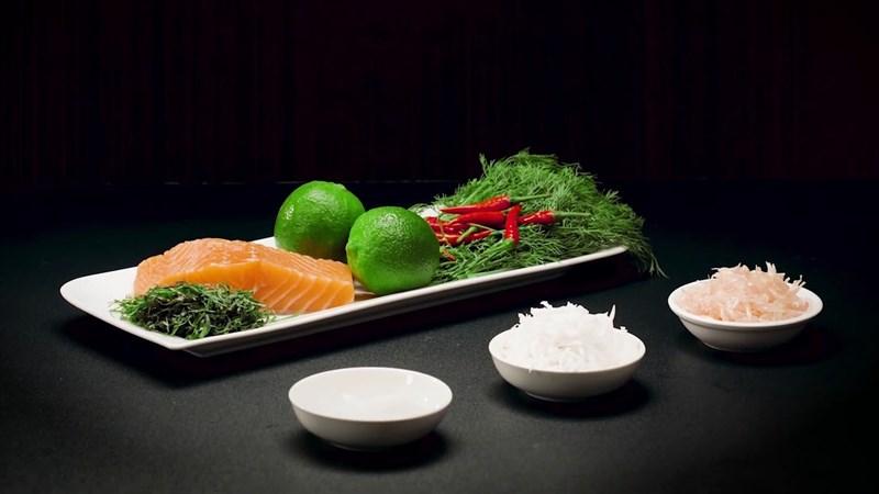 raw salmon salad ingredients
