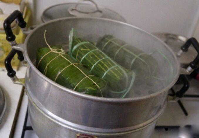 steaming vietnamese ham