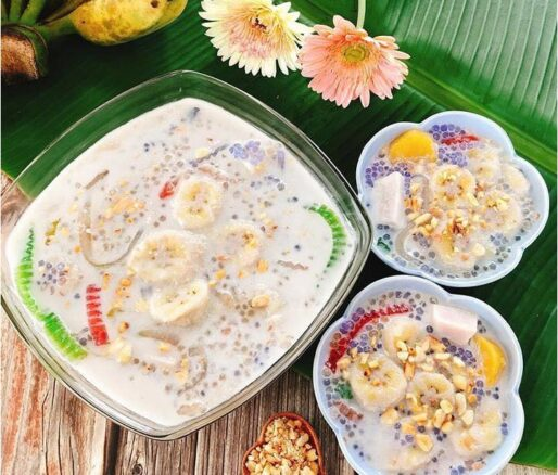 Banana Sweet Soup with Tapioca Shreds Pearls and Peanuts