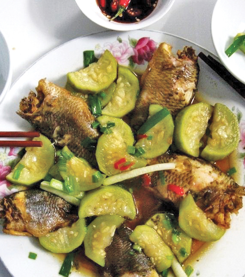 Braised climbing perch with bottle gourd