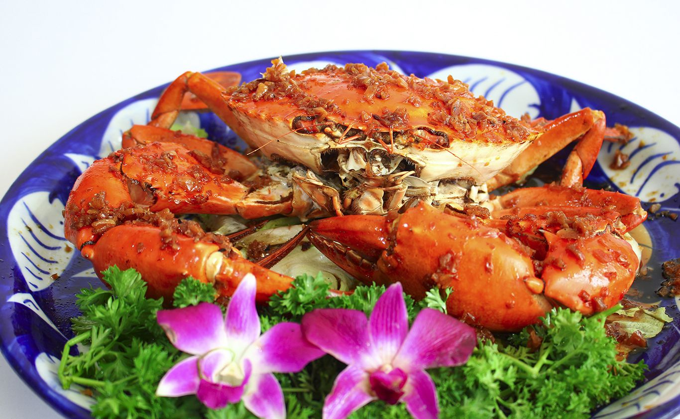 Dry-roasted Whole Crab with Salt