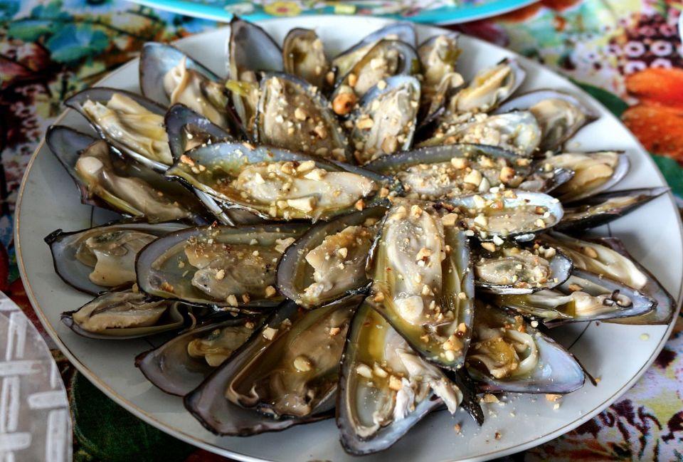 Grilled Shark-fin Mussels - Hyriopsis bialatus