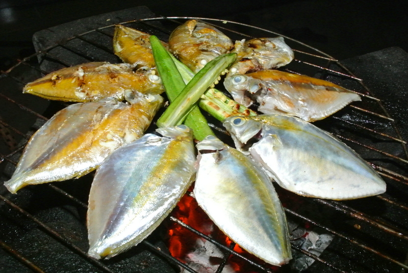 Grilled goldenstripe ponyfish with okra
