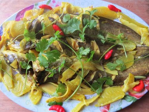 braised wallago catfish with starfruit
