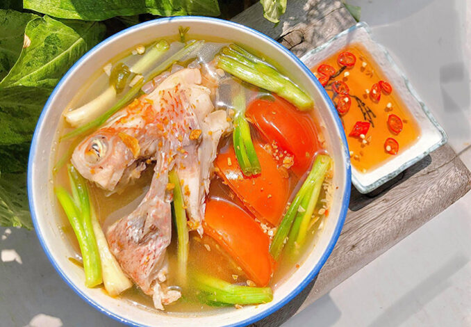 red snapper head soup with tomatoes